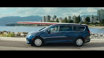 Cars.com TV Spot, 'The Moment We Met' - Thumbnail 6