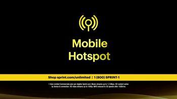 Sprint Unlimited Plus Plan TV Spot, 'Rooftop: 4 Lines' - Thumbnail 5