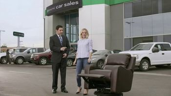 Enterprise Car Sales TV Spot, 'Any Trade-In' Featuring Kristen Bell - Thumbnail 5