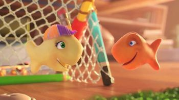 Goldfish TV Spot, 'Brooke Ball'