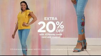 JCPenney TV Spot, 'Gotta Have His and Hers' - Thumbnail 7