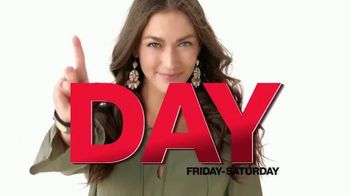Macy's One Day Sale TV Spot, 'Fine Jewelry, Pillows and AirFryer' - Thumbnail 2