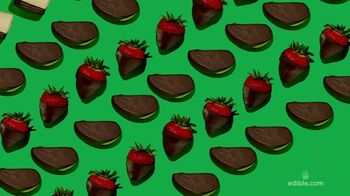 Edible Arrangements National Dipped Fruit Month TV Spot, 'Way to Go-ible' - Thumbnail 4