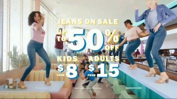 Old Navy 24/7 Denim TV Spot, 'Say Hi to 24/7 Denim for the Fam' - Thumbnail 10
