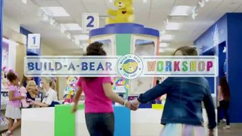 Build-A-Bear Kabu TV Spot, 'Cele-bear-ate' - Thumbnail 2