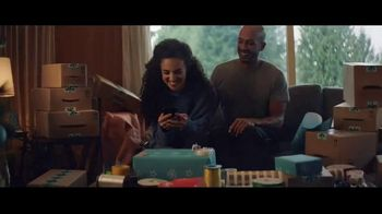 Amazon TV Spot, '2018 Holidays: Shopping List' - Thumbnail 8