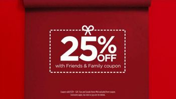 JCPenney Friends & Family Sale TV Spot, 'The Perfect Gift' - Thumbnail 9