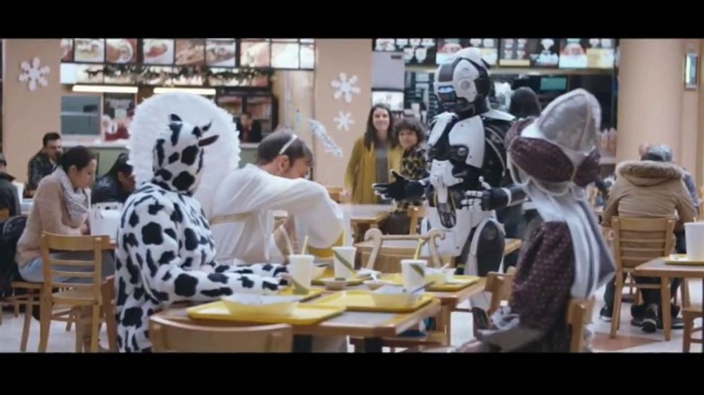 Sprint TV Commercial, 'El robot, el ??ngel y el GS9 de $5 d??lares'