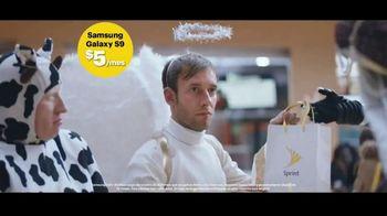 Sprint TV Spot, 'El robot, el ángel y el GS9 de $5 dólares' [Spanish] - Thumbnail 6