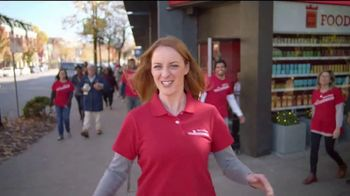 Wells Fargo TV Spot, 'Temporada de dar' [Spanish] - Thumbnail 8