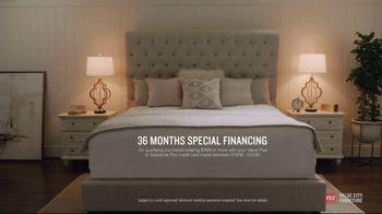 Value City Furniture Pre-Black Friday Sale TV Spot, 'Head Start on Holidays' - Thumbnail 9