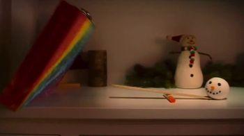 Crayola TV Spot, 'Holidays: Stocking Stuffers' - Thumbnail 4