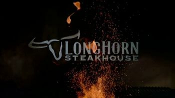 Longhorn Steakhouse Turf & Surf TV Spot, 'Like You Own the Place' - Thumbnail 9