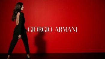 Giorgio Armani Sì Passione TV Spot, 'Otra faceta de Sì' con Sara Sampaio, canción de Hyphen Hyphen [Spanish] - 189 commercial airings