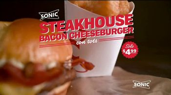 Sonic Drive-In Steakhouse Bacon Cheeseburger TV Spot, 'Queso fundido' [Spanish] - Thumbnail 1