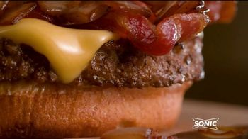 Sonic Drive-In Steakhouse Bacon Cheeseburger TV Spot, 'Queso fundido' [Spanish]