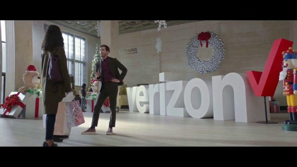 Verizon TV Spot, Want Featuring Thomas Middleditch - Screenshot 5