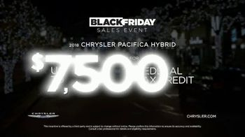 Chrysler Black Friday Sales Event TV Spot, 'Holiday Thoughts' Featuring Kathryn Hahn [T2] - Thumbnail 10