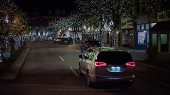 Chrysler Black Friday Sales Event TV Spot, 'Holiday Thoughts' Featuring Kathryn Hahn [T2] - Thumbnail 6