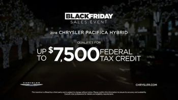 Chrysler Black Friday Sales Event TV Spot, 'Holiday Thoughts' Featuring Kathryn Hahn [T2] - Thumbnail 9