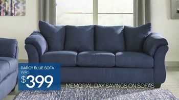 Ashley HomeStore Memorial Day Sale TV Spot, 'Beat the Crowds' - Thumbnail 6