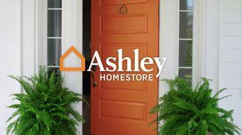 Ashley HomeStore Memorial Day Sale TV Spot, 'Five Days of Deals' - Thumbnail 1