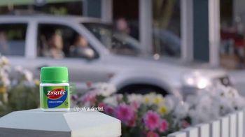 Zyrtec TV Spot, 'Carpool: One Sneeze Away' - Thumbnail 6