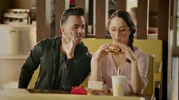 McDonald's Quarter Pounder TV Spot, 'Maria' con Luis Fonsi [Spanish] - 883 commercial airings