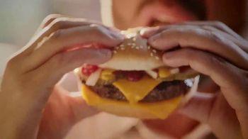 McDonald's Quarter Pounder TV Spot, 'Pacho' con Luis Fonsi [Spanish] - Thumbnail 5