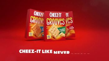 Cheez-It Grooves Sharp White Cheddar TV Spot, 'Deep Valleys of Flavor' - Thumbnail 10