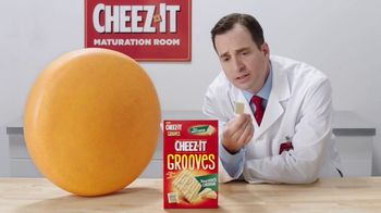 Cheez-It Grooves Sharp White Cheddar TV Spot, 'Deep Valleys of Flavor' - Thumbnail 4
