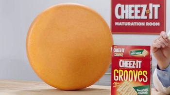 Cheez-It Grooves Sharp White Cheddar TV Spot, 'Deep Valleys of Flavor' - Thumbnail 7