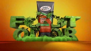 Odor-Eaters Charcoal Foot Scrub TV Spot, 'Out the Window' - Thumbnail 3