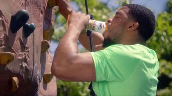 Oberto Trail Mix with Jerky TV Spot, 'Bobby Wagner Climbs'