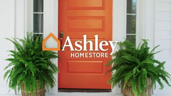 Ashley HomeStore Memorial Day Sale TV Spot, 'Starts Now: Queen Panel Bed' - Thumbnail 1