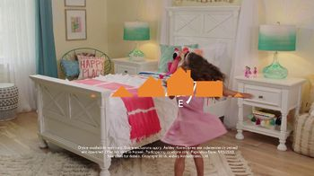 Ashley HomeStore Memorial Day Sale TV Spot, 'Starts Now: Queen Panel Bed' - Thumbnail 9