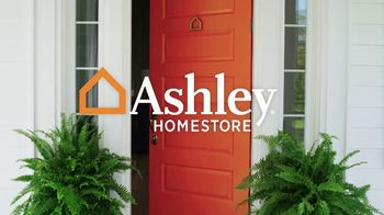 Ashley HomeStore Memorial Day Sale TV Spot, 'Starts Now: Queen Panel Bed' - Thumbnail 2