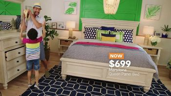 Ashley HomeStore Memorial Day Sale TV Spot, 'Starts Now: Queen Panel Bed' - Thumbnail 7