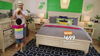 Ashley HomeStore Memorial Day Sale TV Spot, 'Shop and Save: Dining Table' - Thumbnail 5