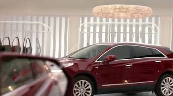 2018 Cadillac XT5 TV Spot, 'Fully Dressed' Song by Lizzo [T2] - Thumbnail 5