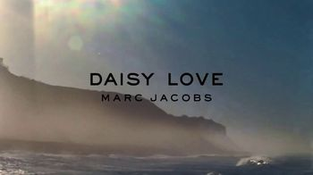 Marc Jacobs Daisy Love TV Spot, 'Beach' Ft Kaia Gerber, Song by Sonic Youth - Thumbnail 1