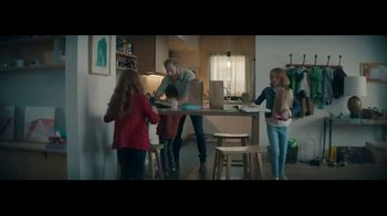 Wells Fargo TV Spot, 'Earning Back Your Trust' Song by The Black Keys - Thumbnail 8