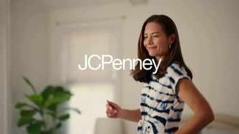 JCPenney TV Spot, 'Mother's Day: Tops and Earrings' Song by Redbone - Thumbnail 2