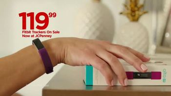 JCPenney TV Spot, 'Mother's Day: Tops and Earrings' Song by Redbone - Thumbnail 5