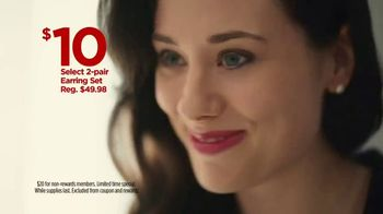 JCPenney TV Spot, 'Mother's Day: Tops and Earrings' Song by Redbone - Thumbnail 7