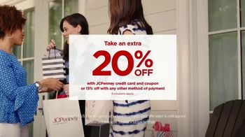 JCPenney TV Spot, 'Mother's Day: Tops and Earrings' Song by Redbone - Thumbnail 8