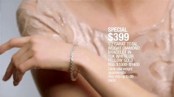 Macy's Mother's Day Sale TV Spot, 'Perfect Gift for Mom' - Thumbnail 5