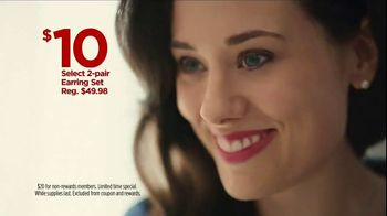 JCPenney TV Spot, 'Mother's Day: Extra $10 Off' Song by Redbone - Thumbnail 7