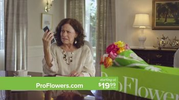 ProFlowers TV Spot, ' Mother's Day: Free Glass Vase'