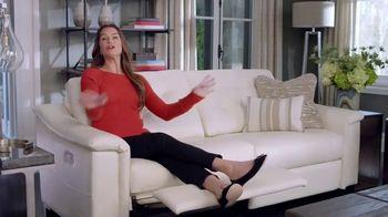 La-Z-Boy Duo TV Spot, 'Surprise' Featuring Brooke Shields - Thumbnail 5